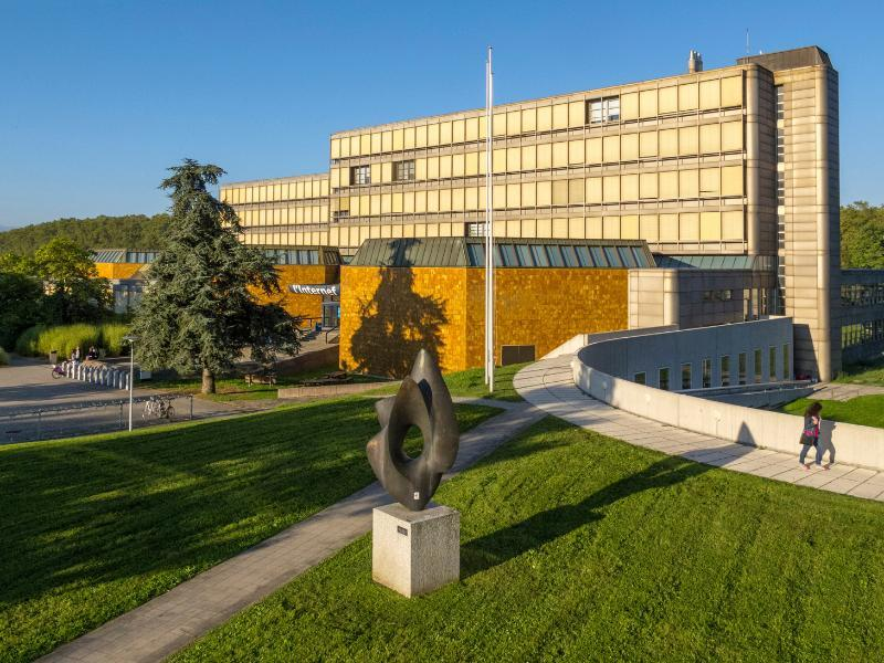 HEC Lausanne makes good progress in a Financial Times ranking